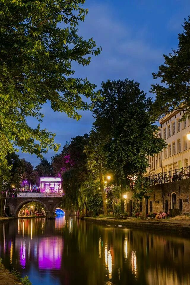 Utrecht by Night: midzomergracht festival 2014.