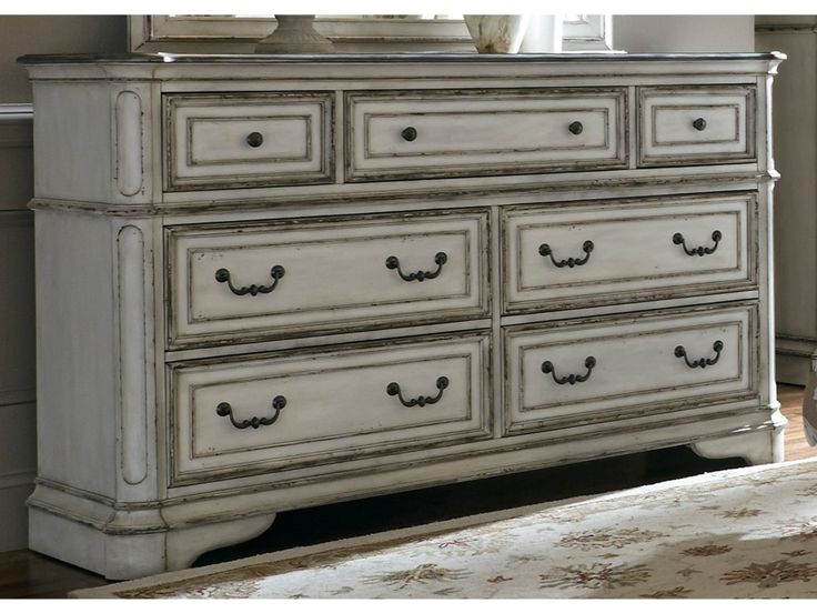Liberty Furniture Magnolia Manor 7 Drawer Dresser with Felt-Lined Top Drawers - Hudson's Furniture - Dressers