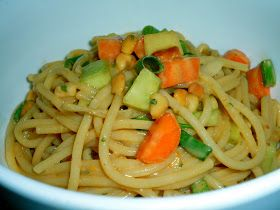 The Weekend Gourmet: Spicy Thai Peanut Noodle Salad...A Perfect Summer Potluck Dish