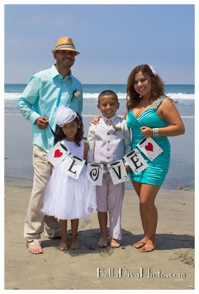 Cute family photo idea: 10 Year Anniversary & Wedding Vow Renewal