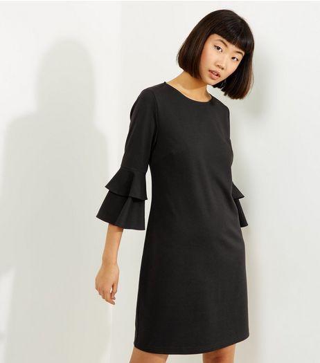 Black Bell Sleeve Tunic    New Look