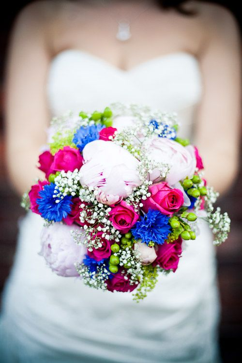 pink and blue wedding bouquet, I really like the pink and blue, but do I really want to work of adding in another color, lol