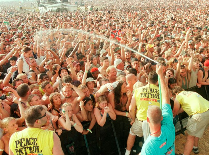 Woodstock '99: Rage Against the Latrine Rob Sheffield's report from the New York fest that went up in smoke