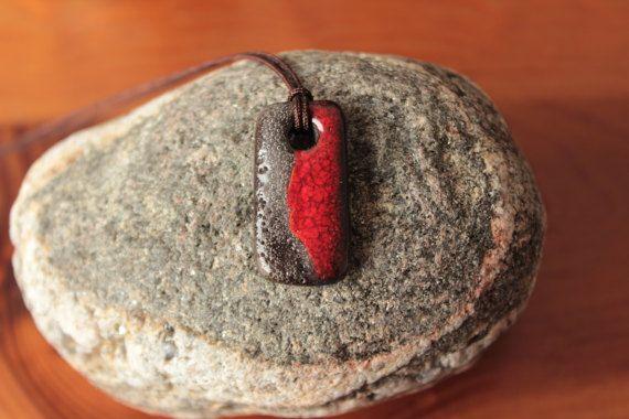 Rote Kette für Männer Unisex Keramik von CeliaLostregoDesign