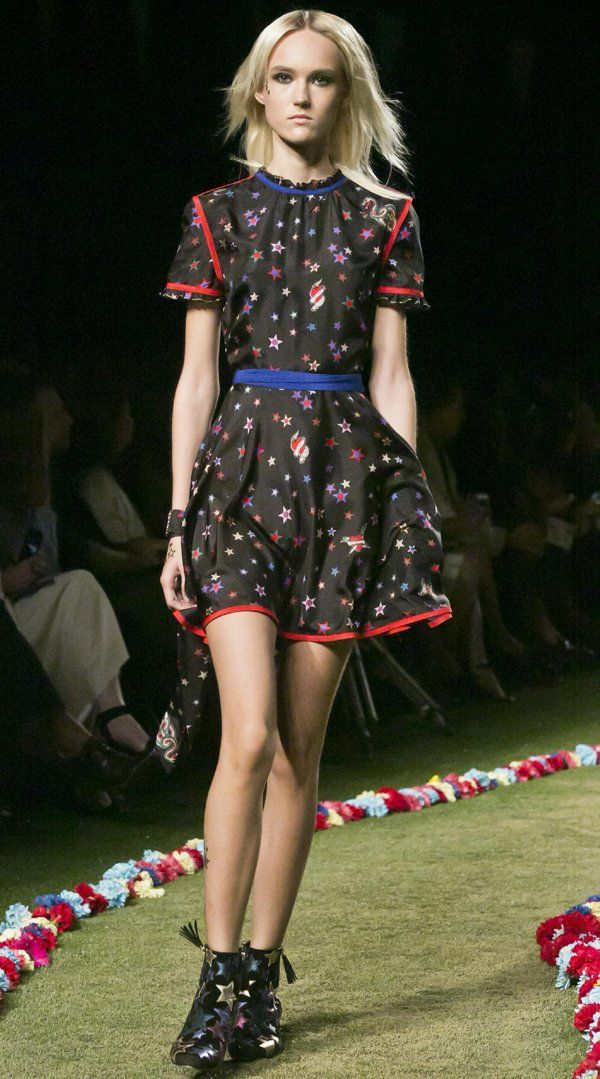 Tommy Hilfiger Spring 2015 collection is modeled during Fashion Week ...
