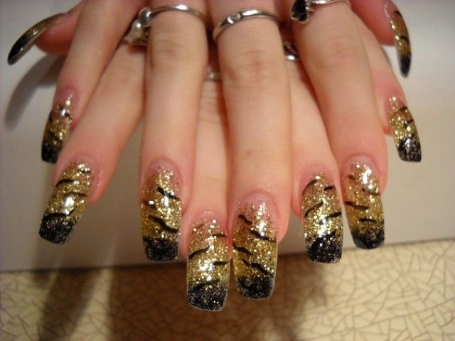 french n gel fotos schwarz gold bei anya kazan nageldesign bilder by world nails nailart. Black Bedroom Furniture Sets. Home Design Ideas