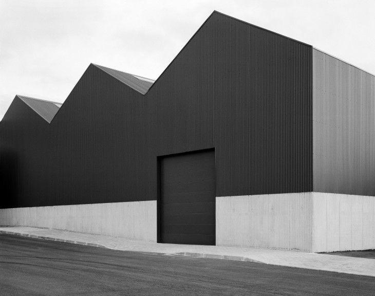 Almacén y Oficinas en Adémia. Joao Mendes Ribeiro -Fotografía: André Cepeda