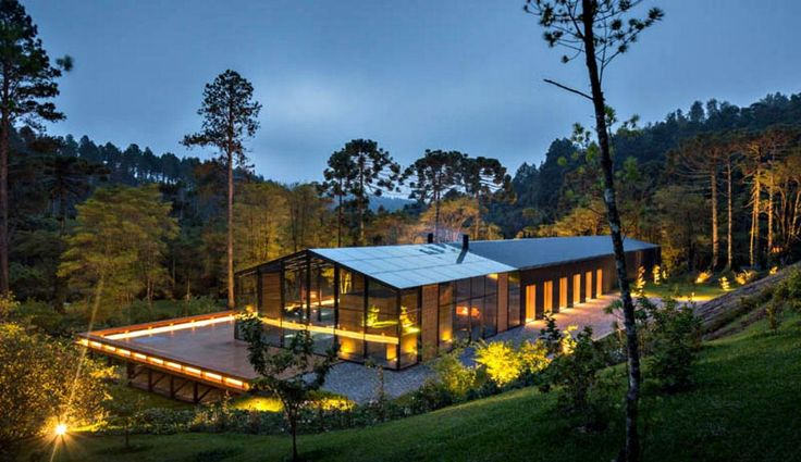 Initially, the owners of Casa Mororo wanted to build it on top of a rugged hill, 180 kilometers from Sao Paulo, Brazil. The idea ceased to make sense