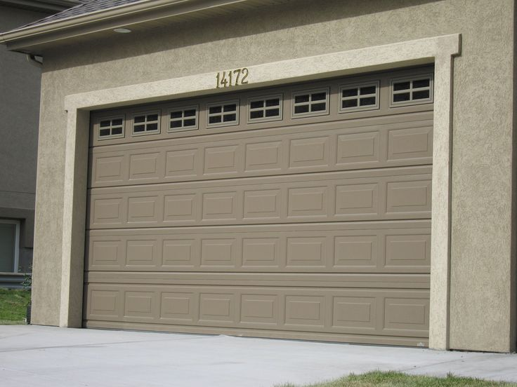 Garage door style to match front door windows maybe in for Garage door colors