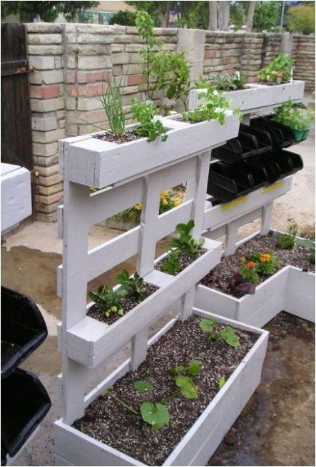 Pallet garden boxes