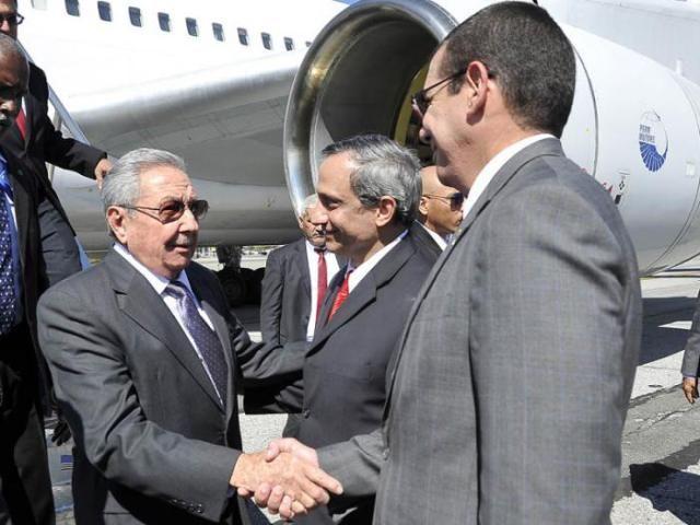 #CubaUS Presidente cubano se reunirá con personalidades de #EEUU y del mundo. #Cuba vía @micubaxsiempre https://micubaporsiempre.wordpress.com/2015/09/25/raul-se-reunira-con-personalidades-de-eeuu-y-del-mundo-cuba/