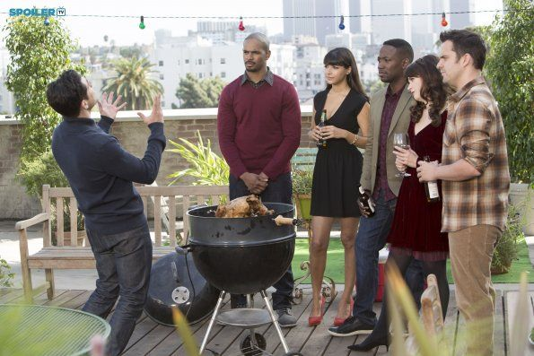 """#NewGirl 4x09 """"Thanksgiving IV"""" - Schmidt tries to convince the gang his idea for their Thanksgiving dinner party will work."""