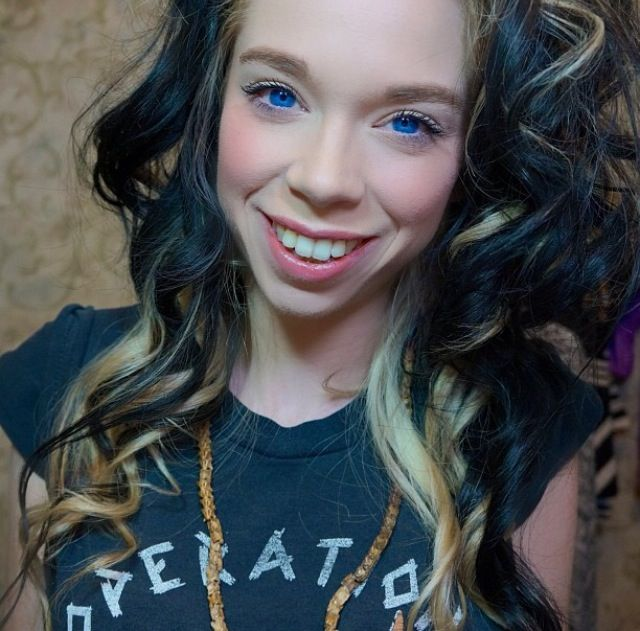 Ok followers you need to check out grav3yardgirl on you tube! She is so hilarious!