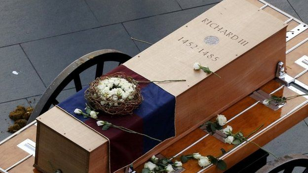 Richard III: Leicester welcomes king's remains