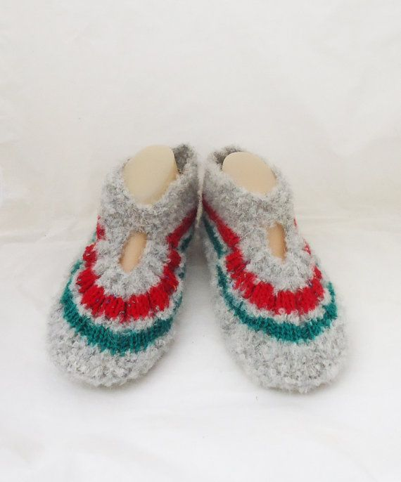 Knitted Socks / Slippers in Grey Red and Green Hand by evefashion