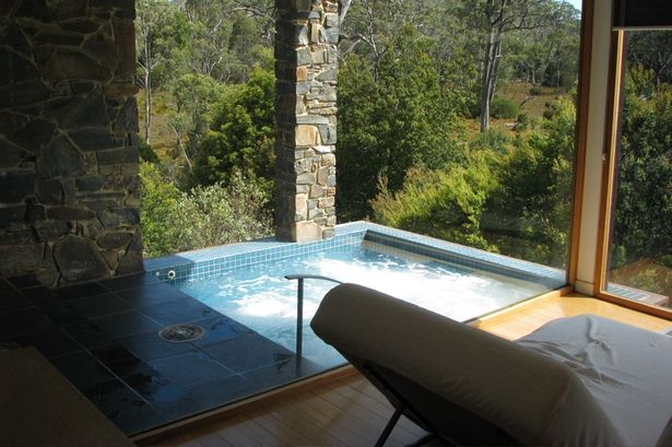 What Are the Benefits of Salt Water Hot Tubs? thumbnail