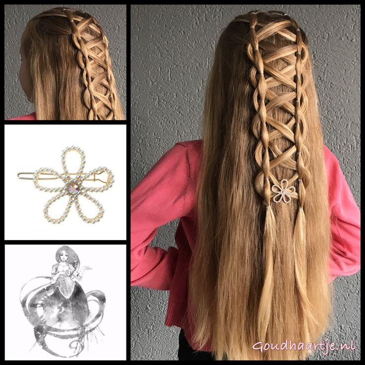 Halfup criss crossed elastic braid with a beautiful hairclip from the webshop www.goudhaartje.nl (worldwide shipping). Hairstyle inspired by: @monikbraids and @hairbyperry_ (instagram) #hair #haar #vlecht #vlechten #hairclip #hairstyle #braid #braids #hairstylesforgirls #plait #trenza #peinando #прическа #pricheska #ヘアスタイル #髮型 #suomiletit #fläta #beautifulhair #gorgeoushair #stunninghair #hairaccessories #hairinspo #like4like #braidideas #amazinghair #halfupdo #goudhaartje