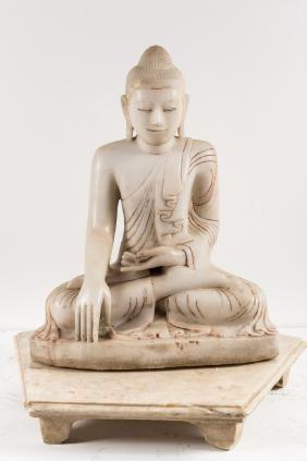 Arte Sud-Est Asiatico  A white marble Buddha on a