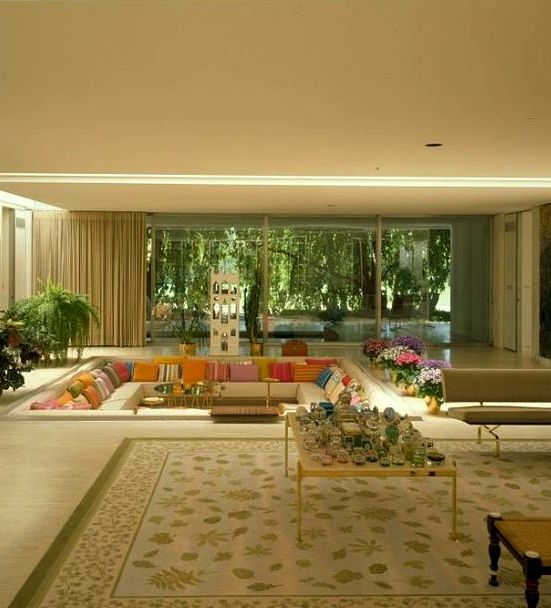 Eero Saarinen, Miller House. Columbus, Indiana, 1957 - the pillows in the conversation pit were changed with the seasons.