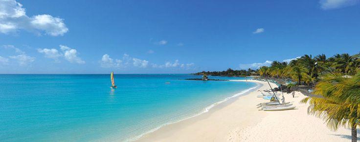"""Mauritius è un'isola meravigliosa, talmente poliedrica che nell'immaginario collettivo si moltiplica e diventa addirittura un arcipelago. E allora... andiamo tutti """"alle Mauritius""""!   http://www.partyepartenze.it/travel-quante-sono-le-mauritius"""