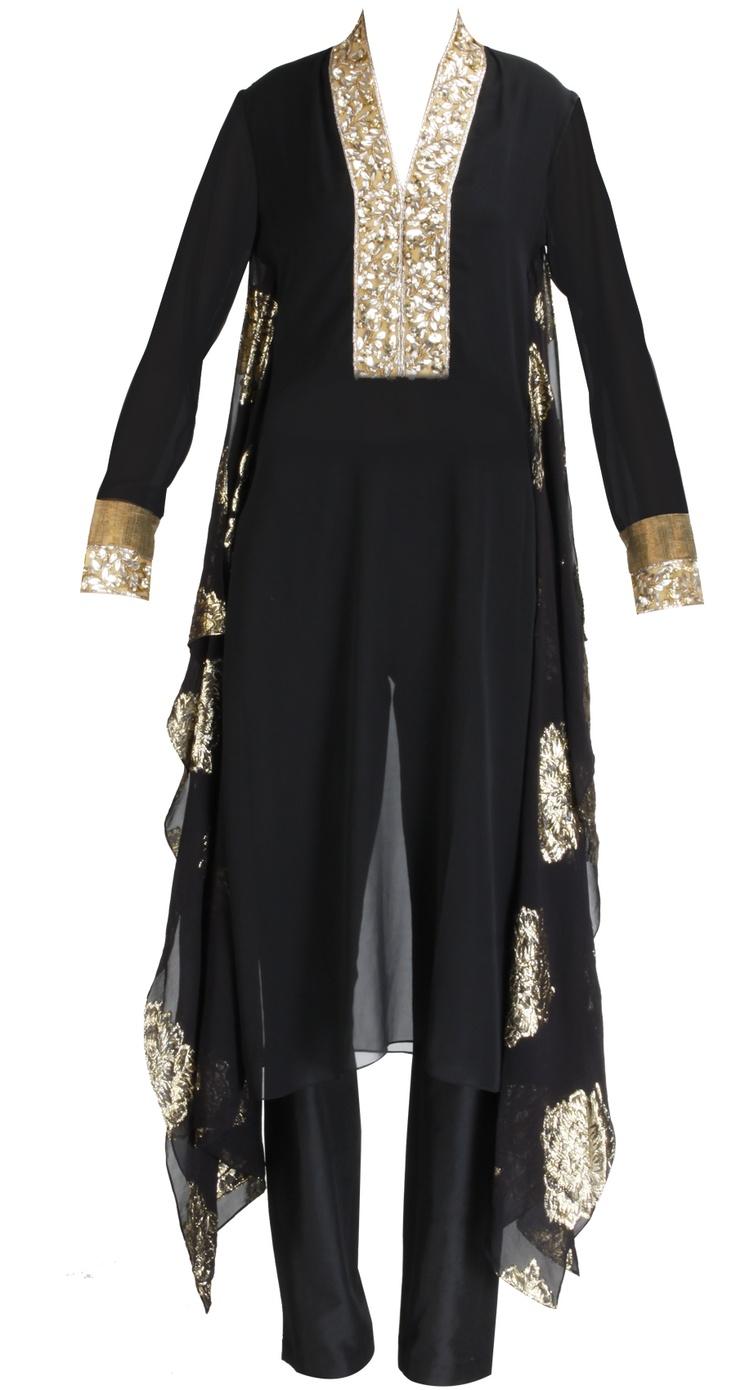 Black and gold kurta pant set by OHAILA KHAN. Shop at https://www.perniaspopupshop.com/whats-new/ohaila-khan-4663