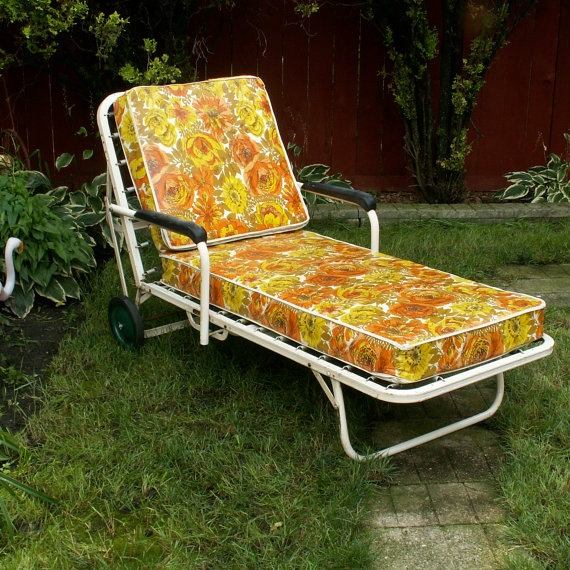 Vintage Simmons Chaise Lounge By Lookingforyesterday On