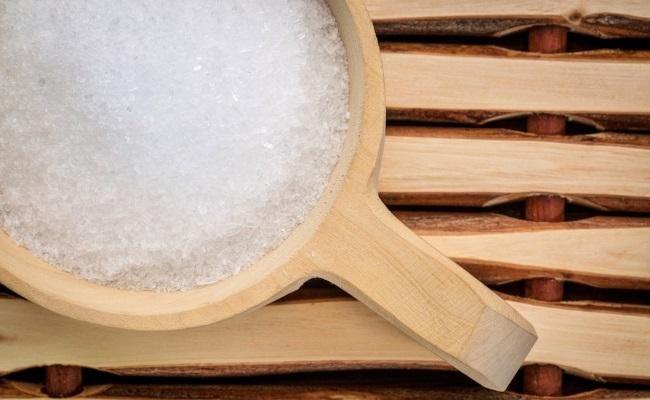 6 Unexpected Health And Beauty Benefits Of Epsom Salt  http://www.prevention.com/health/epsom-salt-benefits?cid=soc_Prevention%2520Magazine%2520-%2520preventionmagazine_FBPAGE_Prevention__