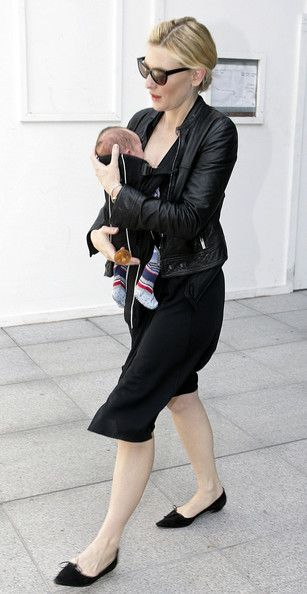 Cate Blanchett Photo - Cate Blanchett at Heathrow Airport