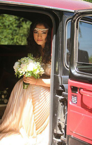 Romantic bride, beautiful actress Aylin Cadir in the most beautiful day of her life, #weddingday #naturalmakeup , #romatincmakeup #birde. For more ideas of make-up for brides check out my site!