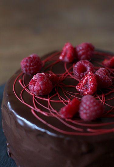 pikku murusia: Vadelma-suklaakakku