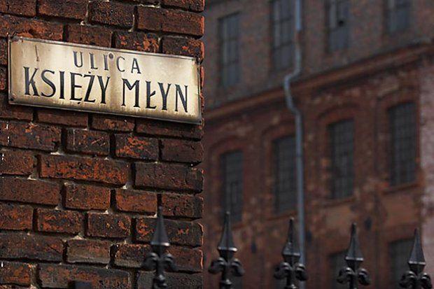 Czy Księży Młyn w Łodzi stanie się artystyczną starówką? Tam też poszukujemy pomysłów na projekt Instalacji Typograficznej w ramach Festiwalu #Polikultura!