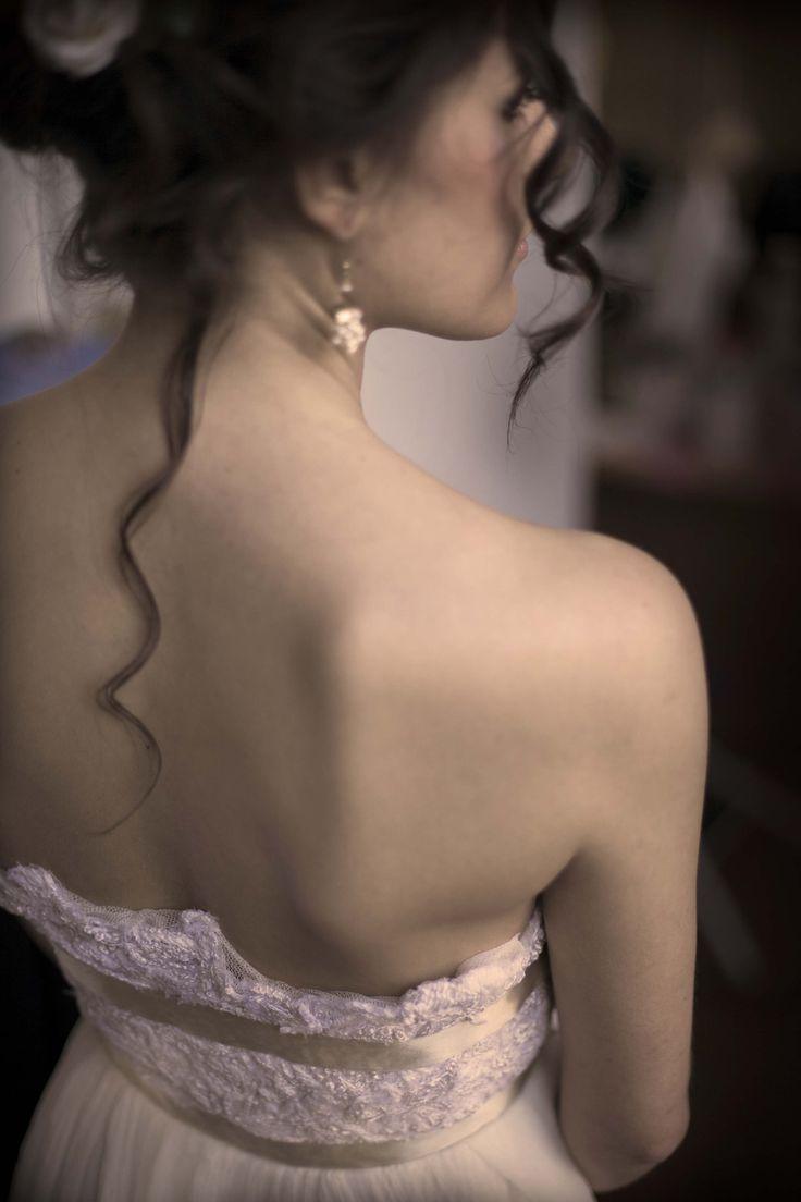 Wedding dress by VeraValentine  #wedding #weddingdress #bride #lace #silk #VeraValentine #madeinitaly #hair