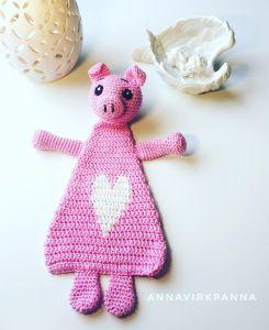 #haken, gratis patroon (Engels), varken, lappenpop, kraamcadeau, baby, #crochet, free pattern, pig, doll