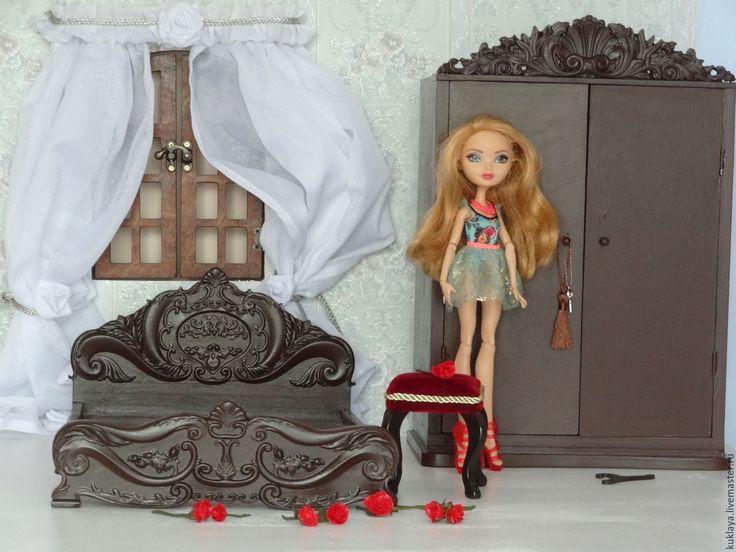 Купить или заказать Спальня в стиле Барокко в интернет-магазине на Ярмарке Мастеров. Спальня. Кровать, шкаф с настоящими маленькими вешалками и полочками. Выполнены в стиле Барокко. Возможно исполнение в другом размере и цвете. Можно дополнить другой мебелью в этом стиле: туалетный столик с зеркалом, пуфик и т.д. по желанию.