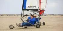 Uitwaaien op het strand! Een blokart is een zeilwagen voor op het strand. Je stuurt en bedient het zeil met je handen. Blokarten is ideaal als groepsuitje, bedrijfsuitje, teamuitje of vriendenuitje. - See more at: http://www.a-wayevents.nl/nl/bedrijfsuitjes/blokarten-(strandzeilen)#sthash.QzfOCBZ7.dpuf