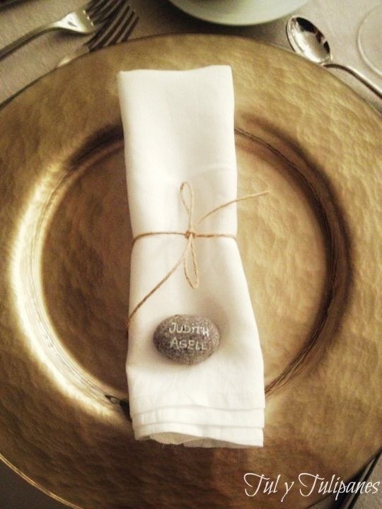 Tul y Tulipanes marca sitios con piedras. Ideal para bodas rusticas, campestres o playeras