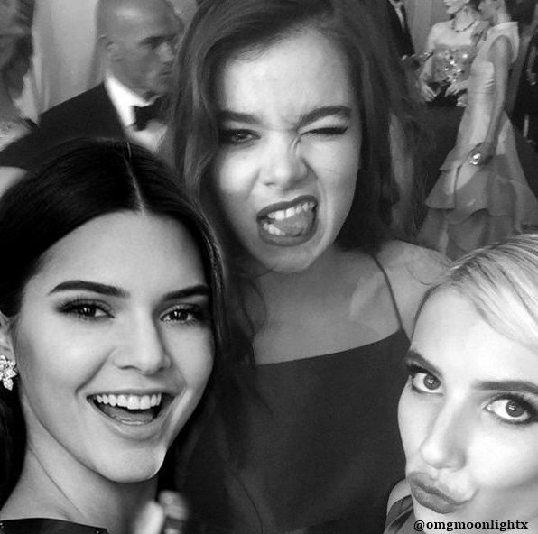 Kendall Jenner and Hailee Steinfeld manip ( and Emma Roberts)
