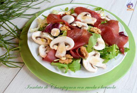 Insalata di Champignon con rucola e bresaola, un piatto leggero e gustoso, bilanciato da un punto di vista nutritivo e pronto in un baleno!