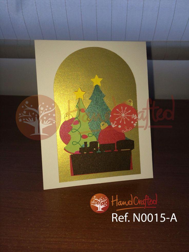Tarjeta de navidad expandible, con impresion y aplique frontal. Excelente para regalar a tus seres queridos, amigos o empresariales. Las medidas son: Alto: 14 cm, Ancho: 11 cm.