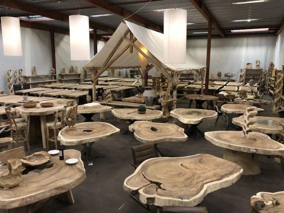 Fonkelnieuw Ruime collectie boomstamtafels bij Puurteak in Apeldoorn. Met meer OO-51