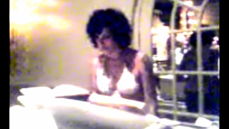 Amy Winehouse singing Puppy Love to Josh Bowman (RARE UNSEEN footage)