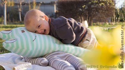 Лягушка Соня и муха. Игрушка - подушка - мятный,мятная полоска,лягушка, текстильная игрушка