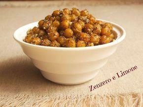 CECI SNACK | ricetta sfiziosa --1 scatola di ceci -15 g di mandorle senza pelle -origano -paprica -cipolla disidratata (o aglio in polvere) -pepe nero -olio extra vergine di oliva -sale