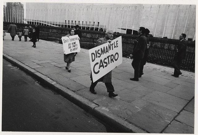 Cuban missle crisis demonstration (New York, N.Y.): Dismantle Castro (1962)