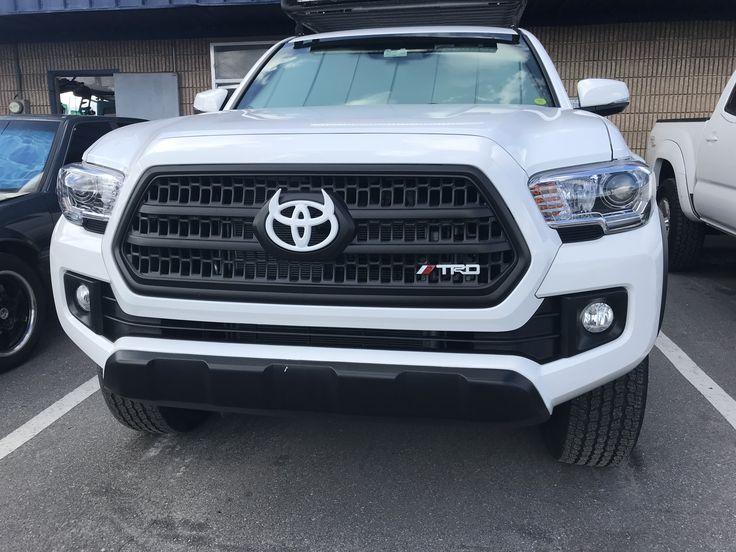 Added horn  Toyota emblem logo