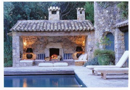 Pool house heaven!!
