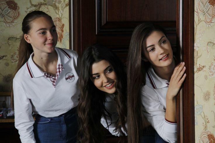 """Güneşin Kızları on Twitter: """"Okul günü! #YenidenBaşlayalım #GüneşinKızları https://t.co/0lx14PMdWk"""""""
