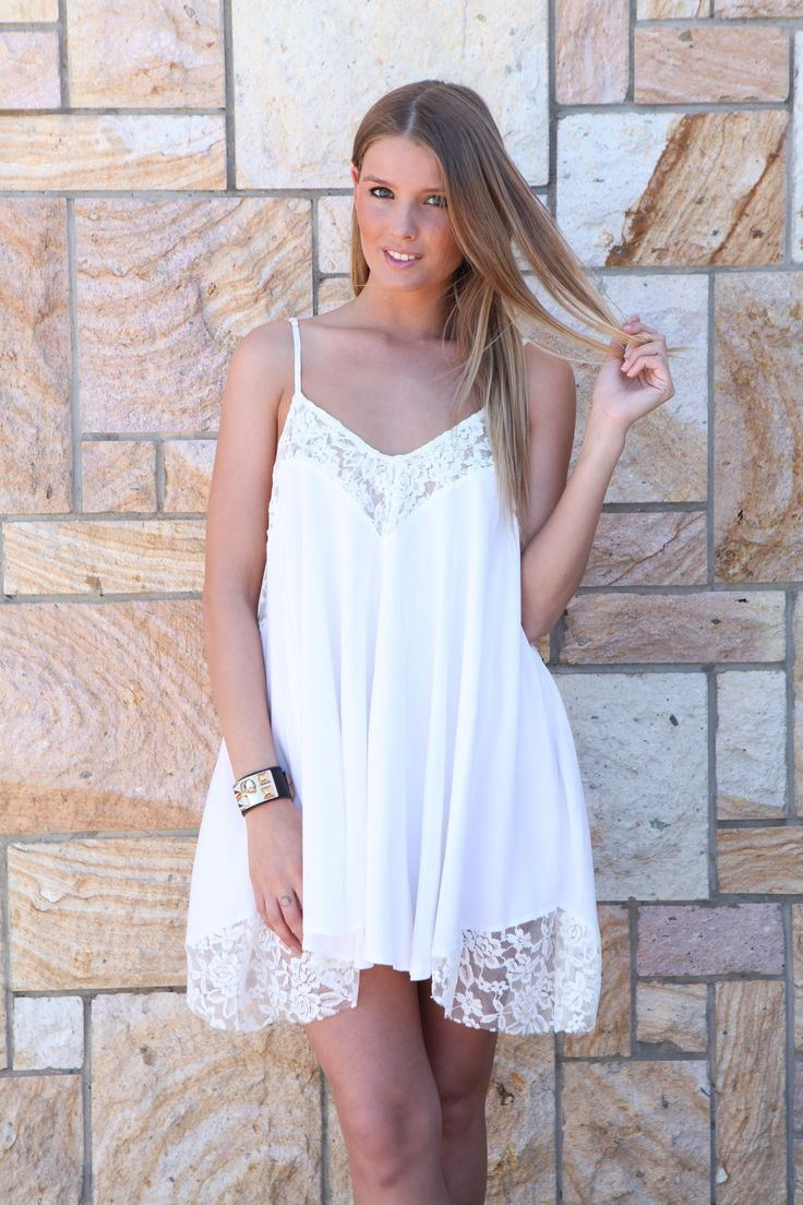 1000  ideas about White Flowy Dress on Pinterest  White summer ...