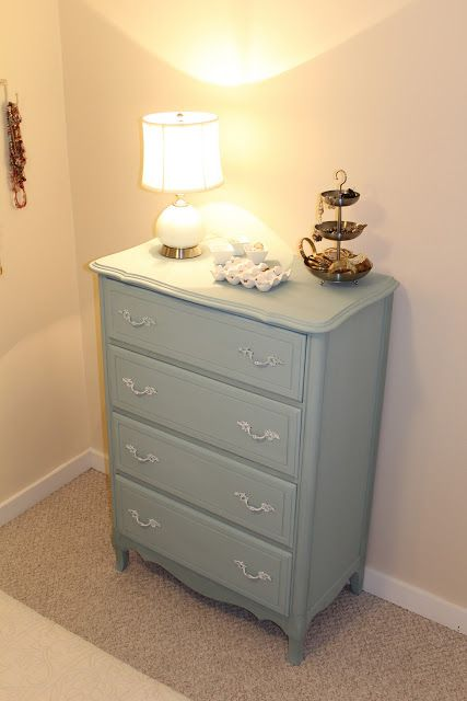 Pine Tree Home: Guest Room: Painted Furniture with Chalk Paint