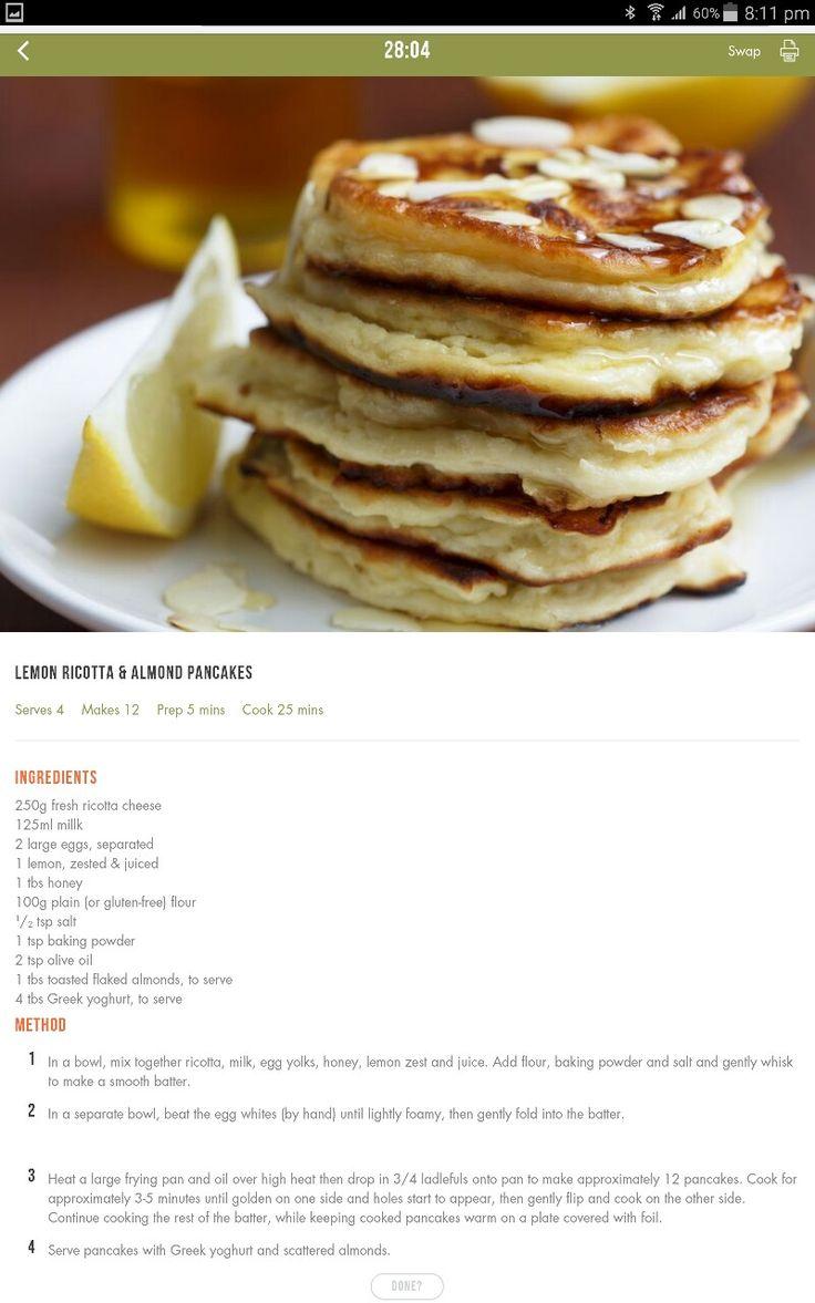 Lemon ricotta almond pancakes